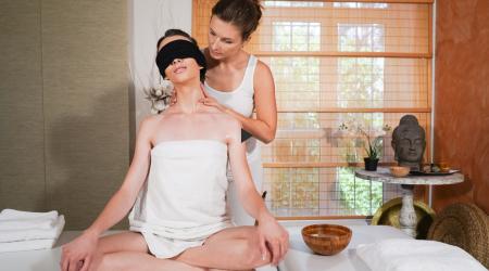 Jenifer Jane, Adel Morel - Erotic blindfold lesbian massage