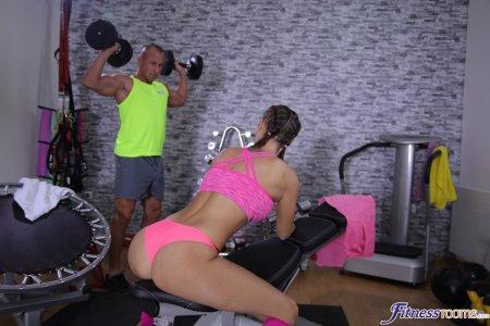 Jenifer Jane, Ridge Crix - Tight body Euro gym babe and hunk