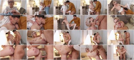 Hanna Rey - Lad covers blonde with sperm