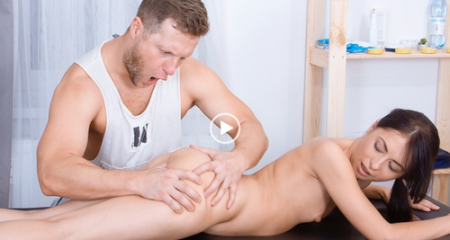 Roxy Sky - Hard massage for gentle holes