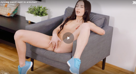 Roxy Sky - Juicing sweet cunt in armchair ( Virtual Reality )