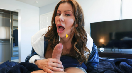 Alexis Fawx, Alex Mack - Cleaning The College Guy's Cock ( brazzers )