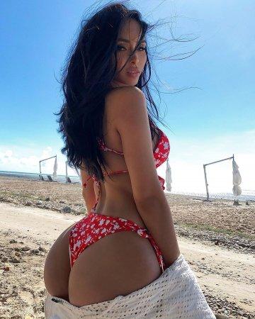 Angela Castellanos ( OnlyFans @angelacastellanos )