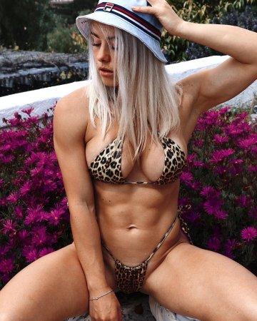Valeria OnlyFans leak ( @guznenkova )